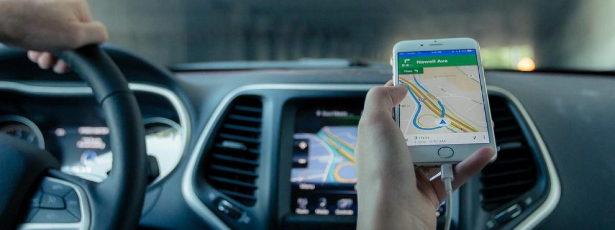 How Does GPS Tracker for Vehicles Work - Mezaar